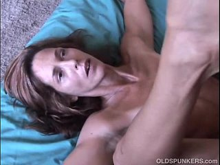 Very uber-sexy mature stunner Sherry likes to fuck