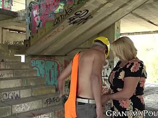 Ash-blonde granny railing rock hard after blowjob