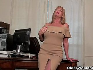 Old mummy Karen Summer undresses a pair of stockings and touches her unshaven pussy. Bonus video: American granny Phoenix Skye.