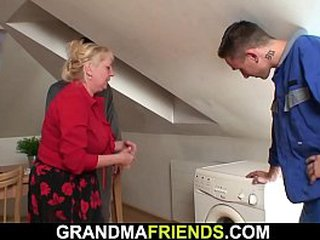 Threesome hook-up with chesty granny