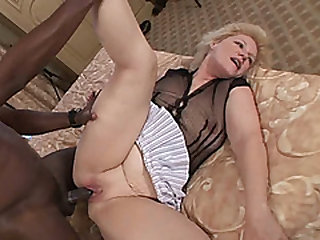 Young captured stud bangs that granny mouth to mouth pussy hard