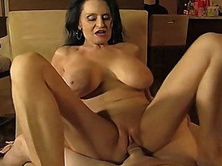 Scorching inexperienced mature sucking and fucking a junior man