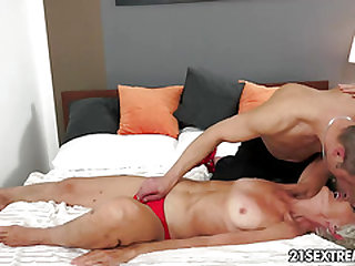 Handsome GILF Aliz have a leaving behind with a fat youthfull cock